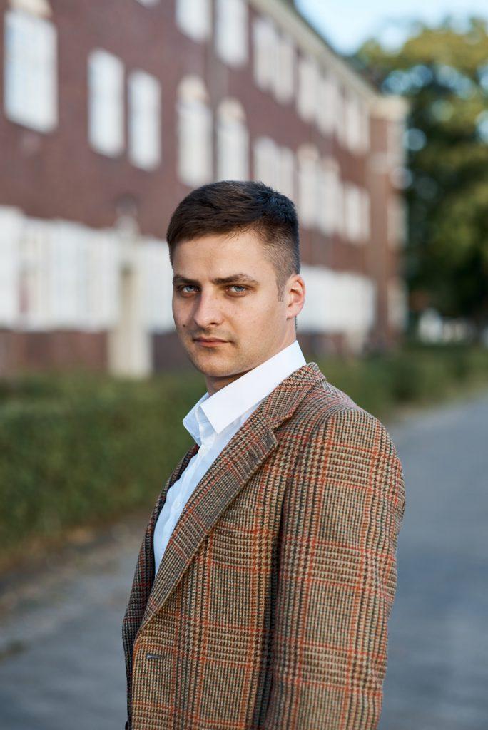 Florian Bamborschke Jackett seitlich